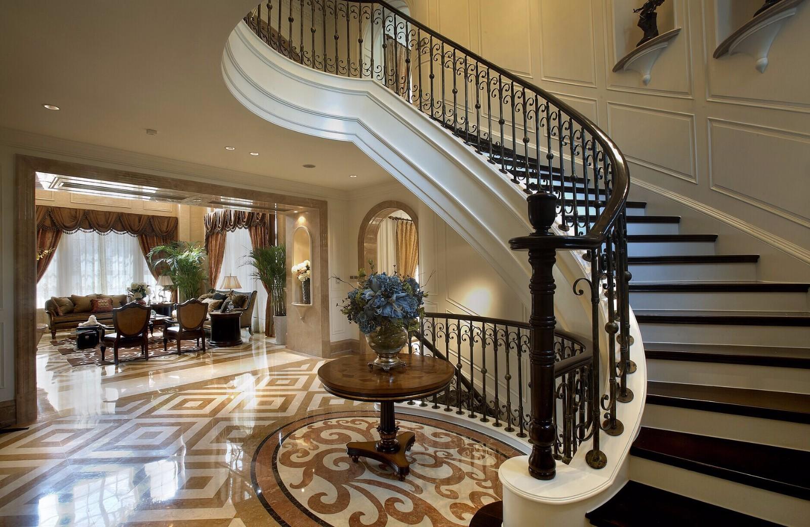 旋转楼梯!